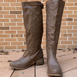 Light brown faux leather boots